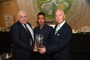 Bobby Petta receives 2018/19 AICSC Player of The Year Award on behalf of Callum McGregor from our award sponsor Leo Quinn and AICSC Chairman Tom Maher